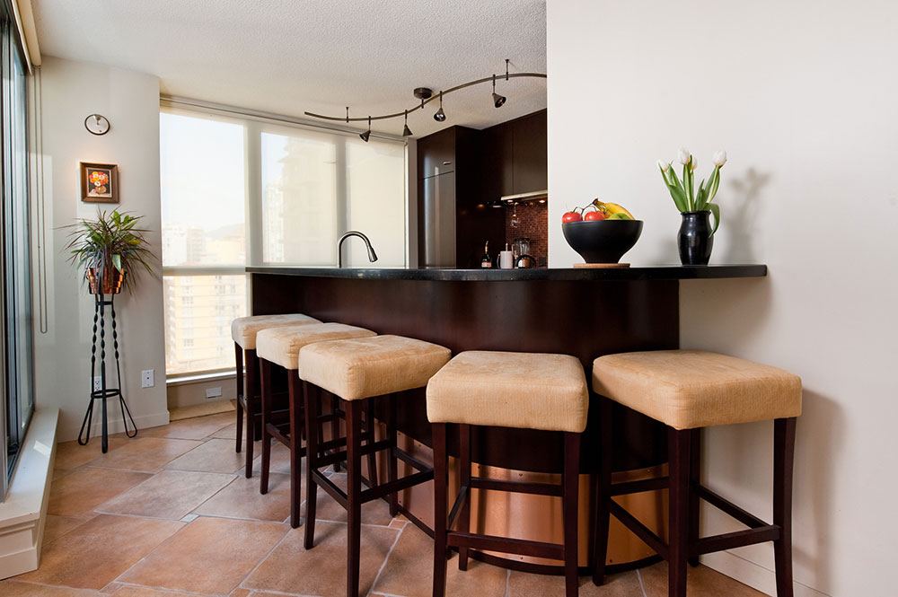 kitchen renovation Kemp bar stools
